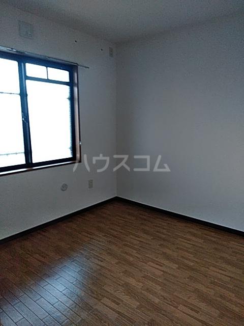 クレセール中田北 302号室の居室