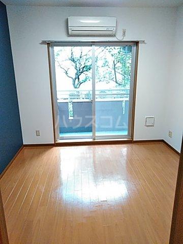 エスペランサ武蔵野 107号室のリビング