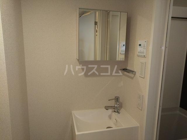 ビバリーホームズ吉祥寺北 207号室の洗面所