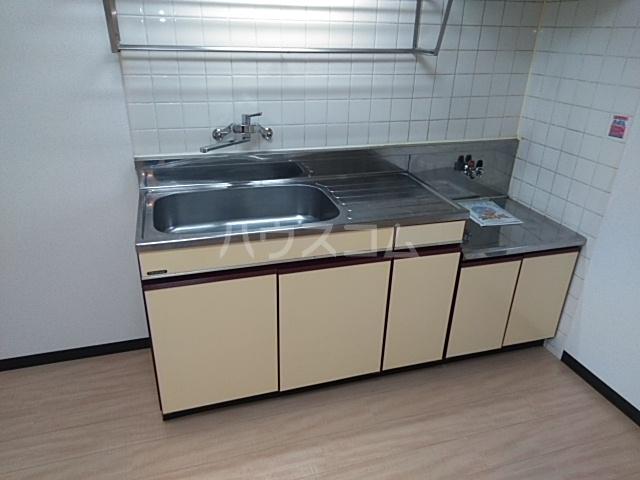 エメラルドプラザ 306号室のキッチン
