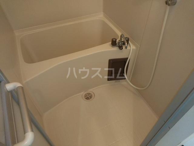 エメラルドプラザ 306号室の風呂