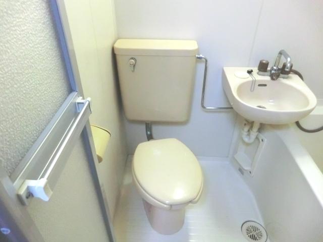 ラ・メゾン藤ヶ丘 6C号室のトイレ