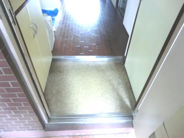 ラ・メゾン藤ヶ丘 6C号室の玄関