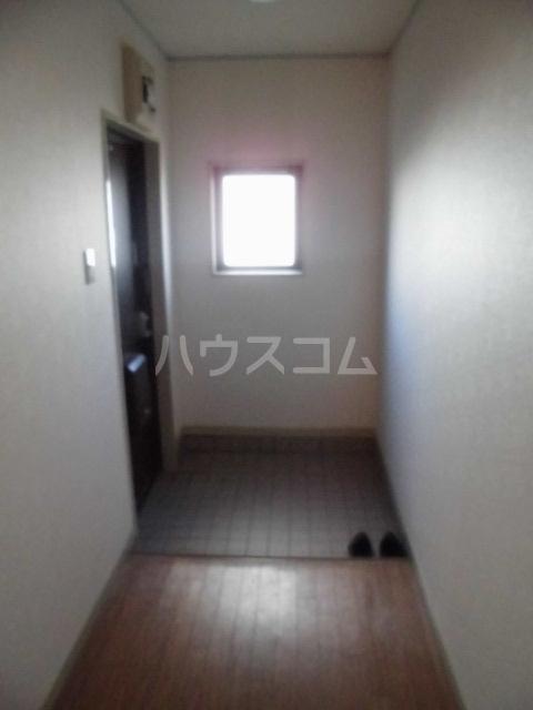 ハイム志ノ島 101号室の玄関
