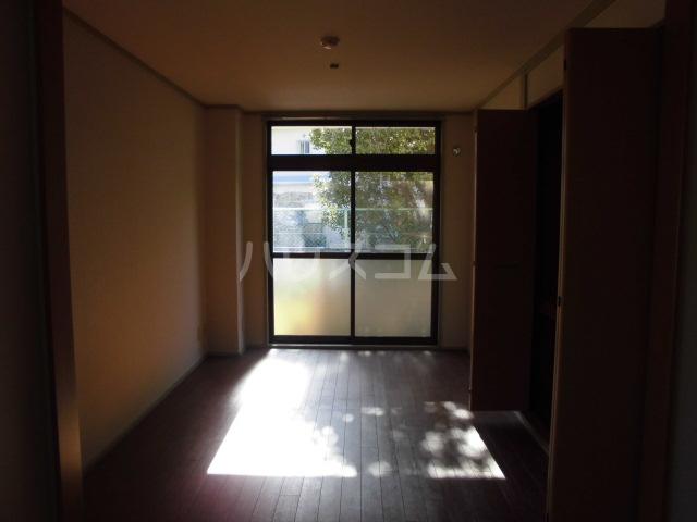 ハイム志ノ島 101号室のリビング