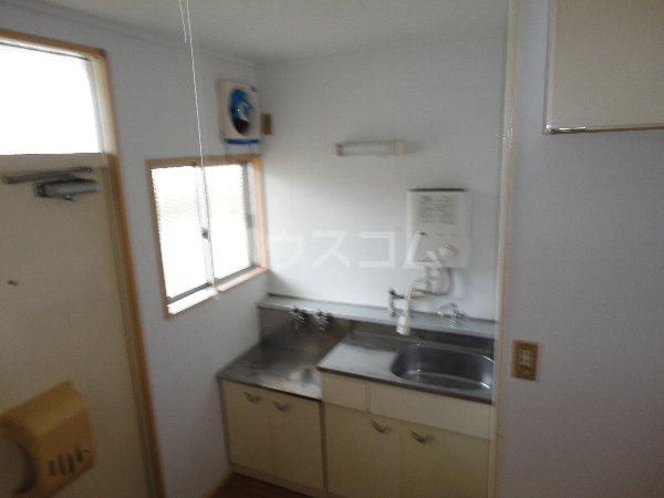 コーポサングリーン 205号室のキッチン
