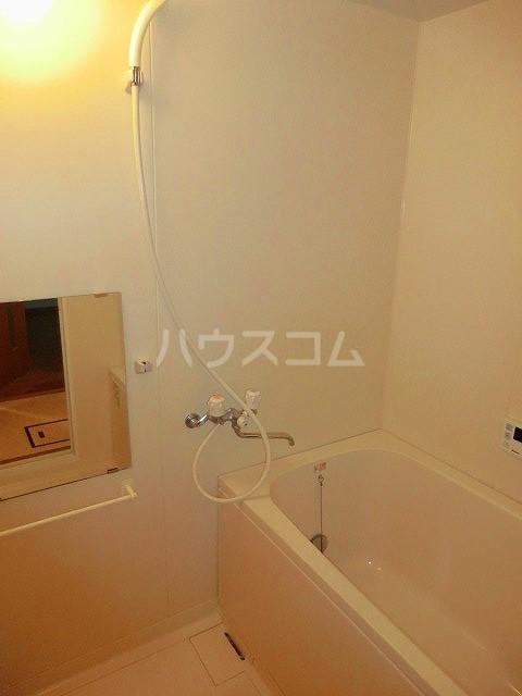 レージュ至来 305号室の風呂