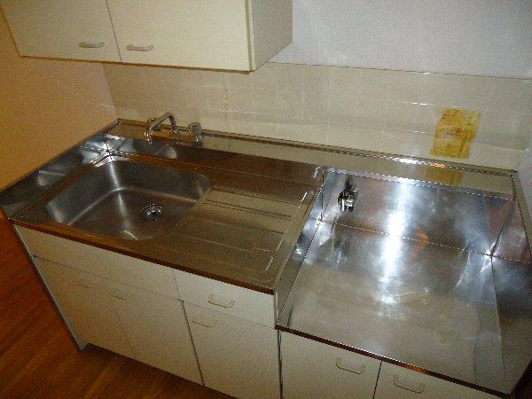 エステートピア岩崎台 207号室のキッチン