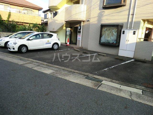 レモンハイム 1D号室の駐車場