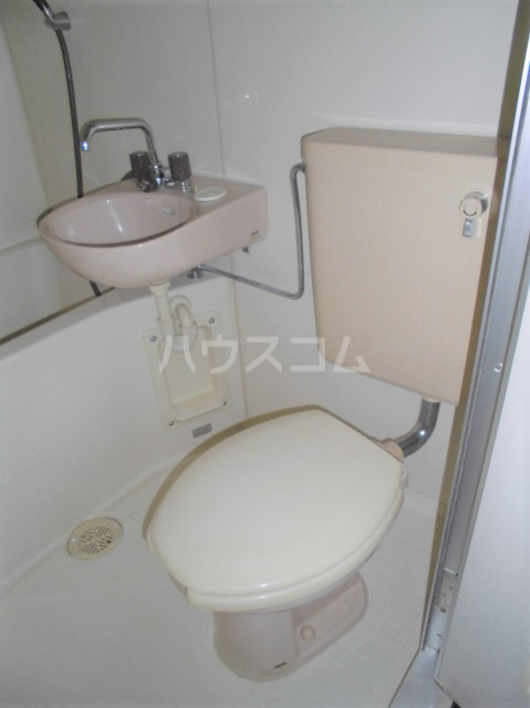ビクトワール望が丘 102号室のトイレ
