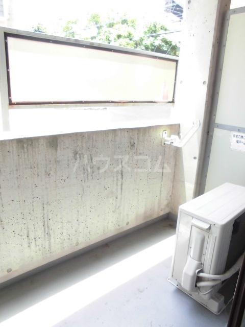 ビクトワール望が丘 102号室のバルコニー