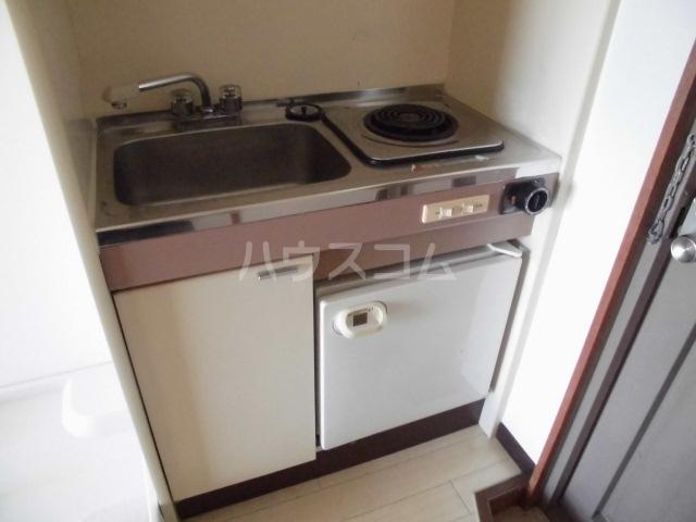 メゾンヤザコ 301号室のキッチン