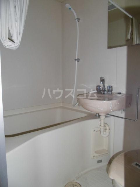 メゾンヤザコ 301号室の風呂