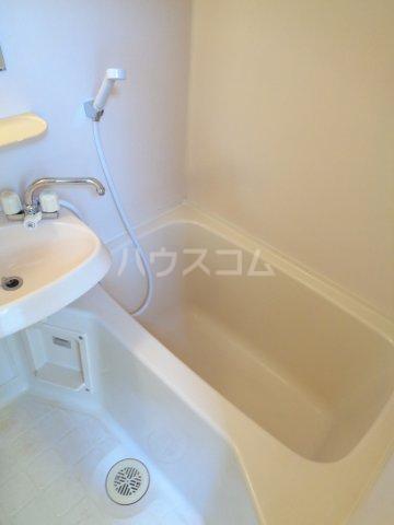 ニューコート高根台 104号室の風呂