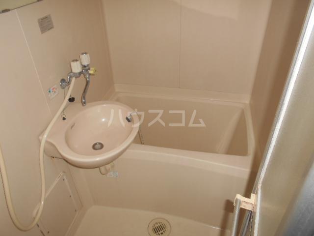 クイーンハイツ 103号室の風呂