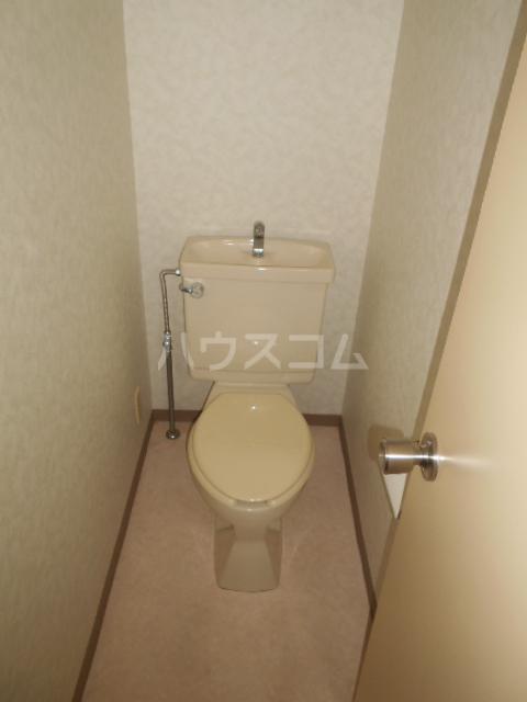 クイーンハイツ 103号室のトイレ