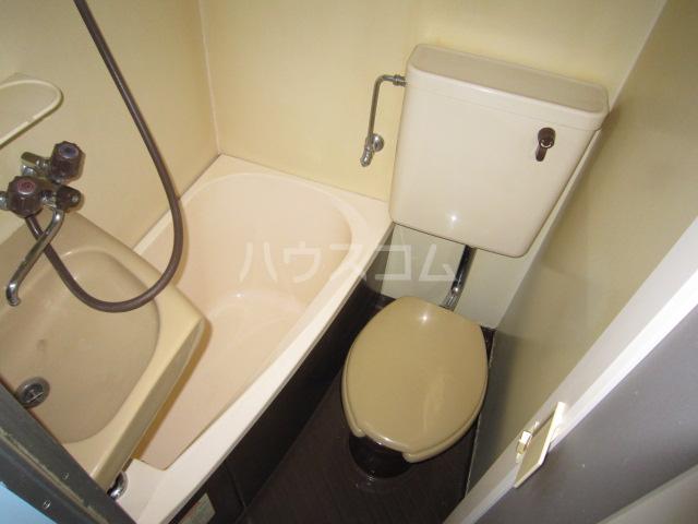 メゾン・ド・パルク Ⅲ 201号室の風呂