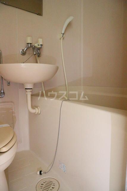 スカイコート蕨 401号室の風呂