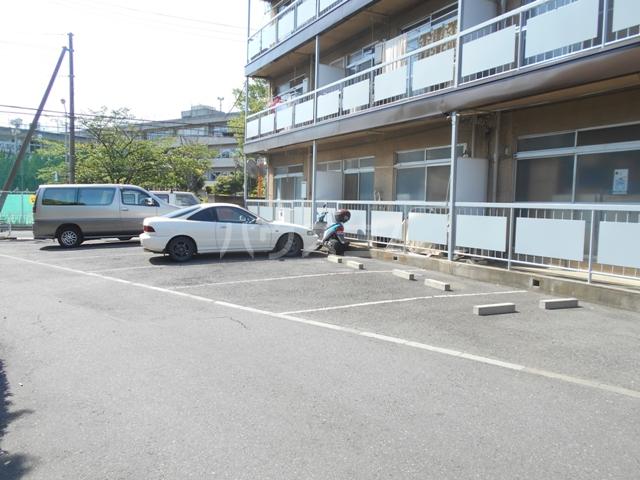 錦町マンション 3-D号室の駐車場