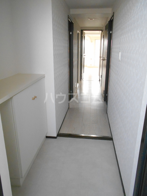 メゾンドセリエ 601号室の玄関