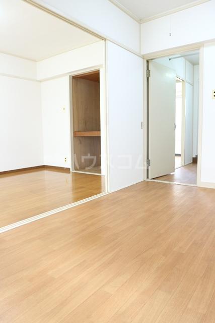 塚越パークハイツ 302号室のリビング