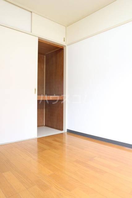 塚越パークハイツ 302号室の居室