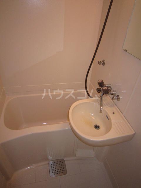 ホシノハイツB 101号室の風呂