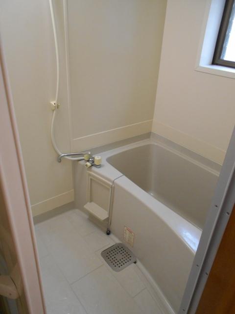 第8笑和ハイツ 201号室の風呂