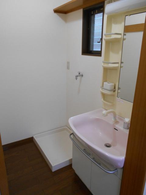 第8笑和ハイツ 201号室の洗面所