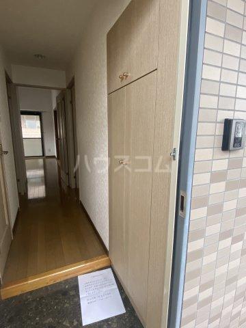 スクエアKⅢ 306号室の玄関