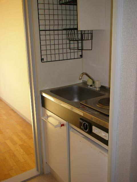 サンステージ淵野辺 201号室のキッチン