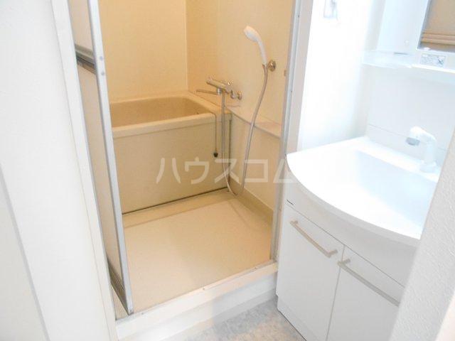 アーバンハイツ 202号室の風呂