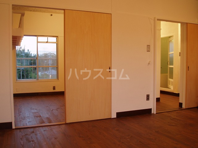 やよいS3マンション 402号室の居室