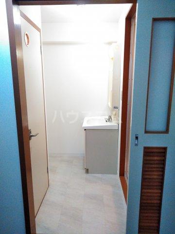 リエス浜松本郷町 202号室の洗面所