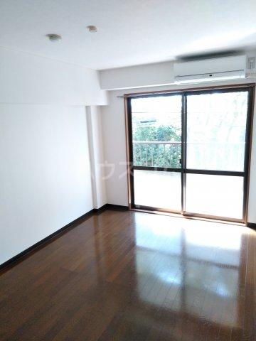 リエス浜松本郷町 202号室の居室