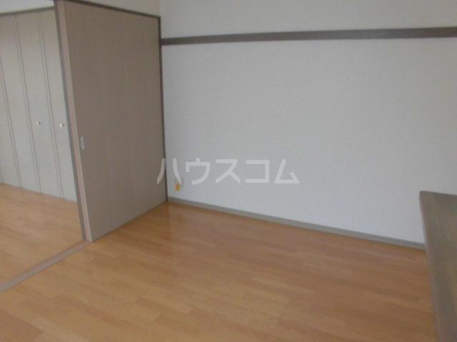 セレノ荻窪 204号室のリビング