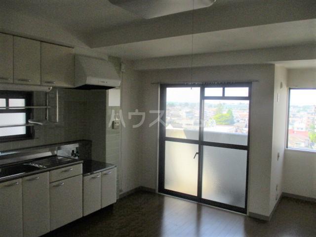 エイタイマンション 203号室のキッチン