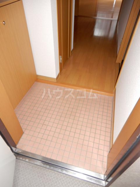 クレスト高円寺 203号室の玄関