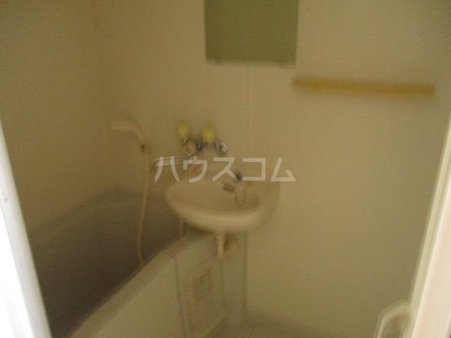 メゾンビフォア 207号室の洗面所