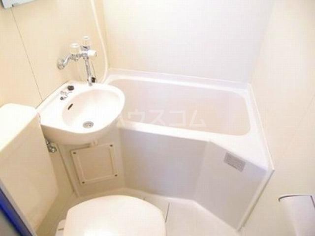 ジュネパレス千葉第31 102号室の風呂