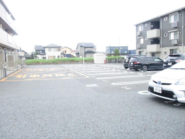 オルテンシアA A202号室の駐車場