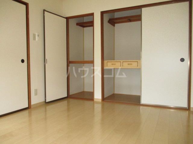 ファミールタヤマ A 102号室の居室