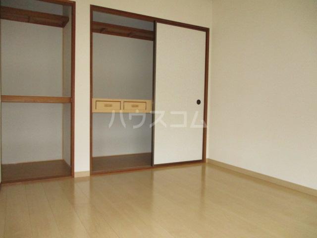 ファミールタヤマ A 102号室のベッドルーム