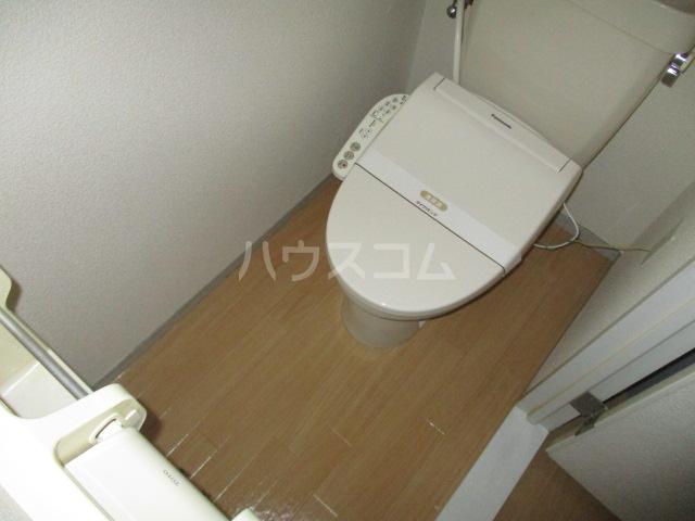 ファミールタヤマ A 102号室のトイレ