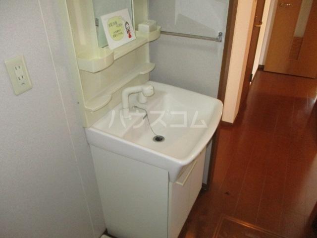 グリシーヌ 105号室の洗面所