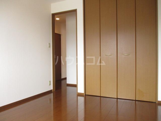 グリシーヌ 105号室の居室