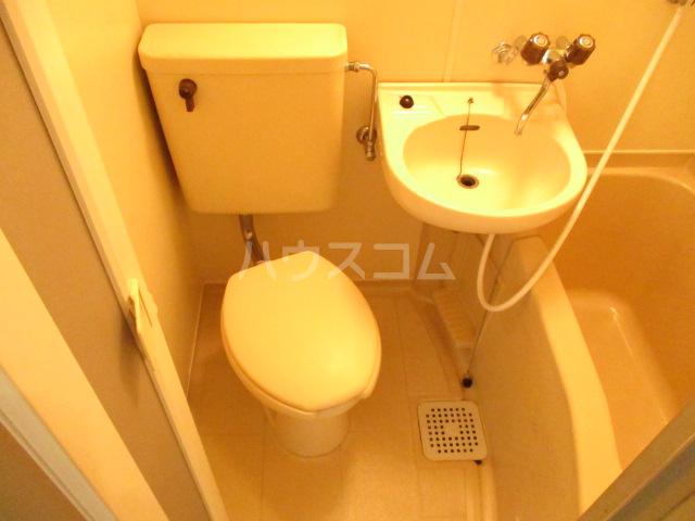 本千葉第6レジデンス 105号室のトイレ