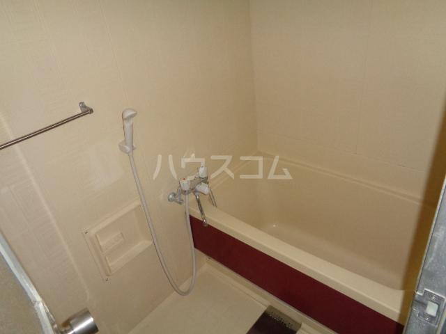メゾングランテージ 20E号室の風呂