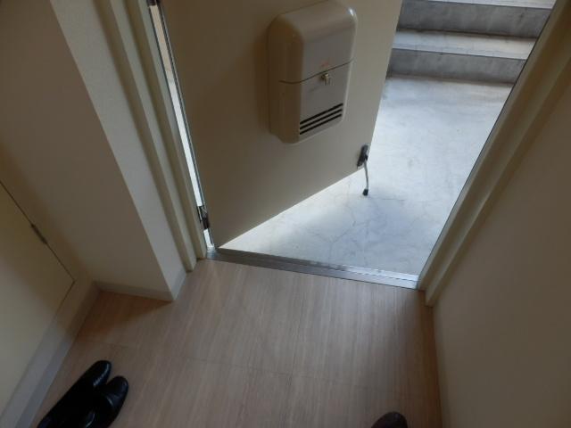 ウッドサイド浦和 503号室の玄関