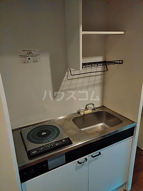 ジュネッセ浦和 301号室のキッチン